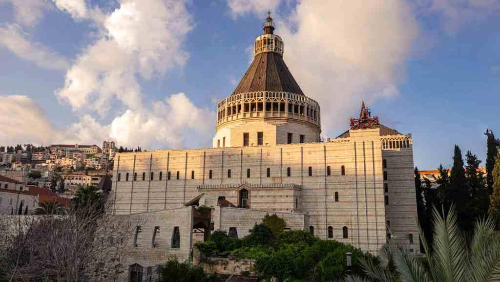 La Basílica de la Anunciación es un templo católico situado en la ciudad de Nazaret, en el norte de Israel